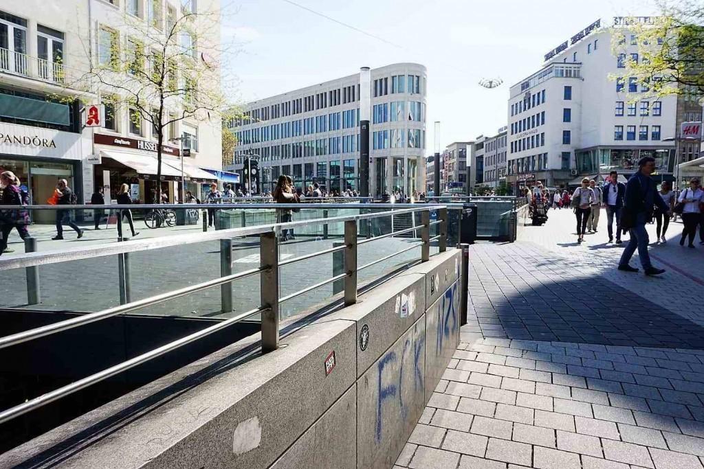 style hannover roter faden kröpcke 1024x683 - Auf dem ROTEN FADEN durch Hannover