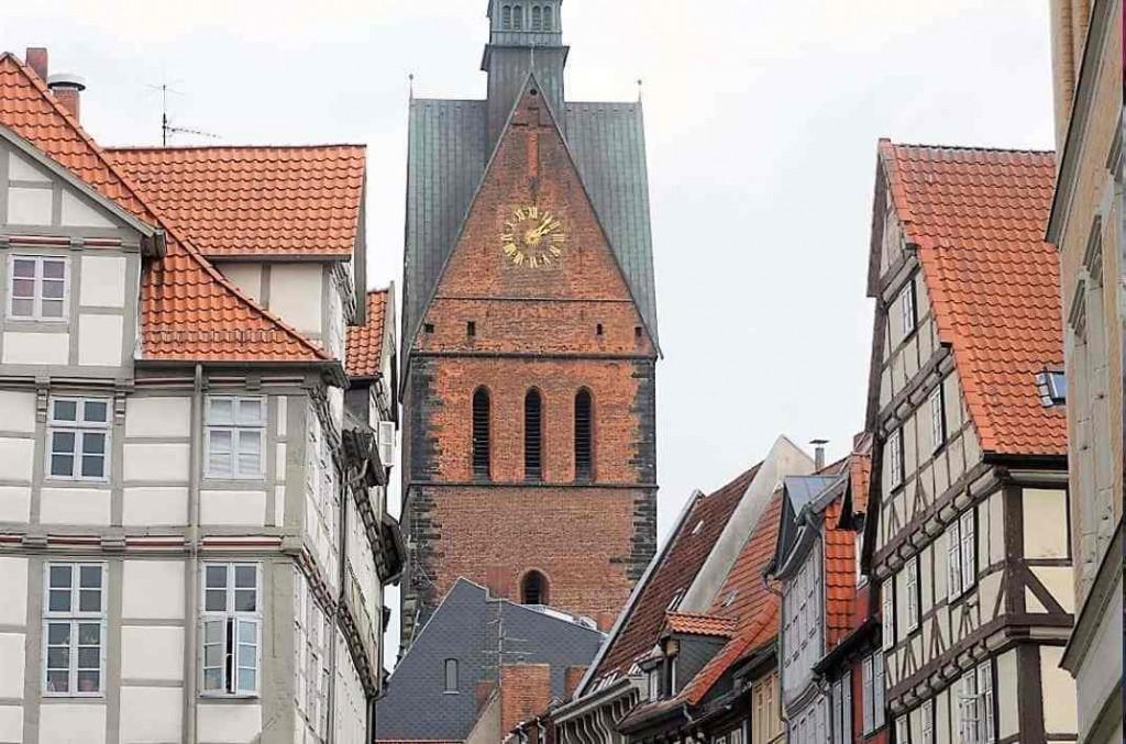 style hannover roter faden marktkirche altstadt 1024x677 - Auf dem ROTEN FADEN durch Hannover