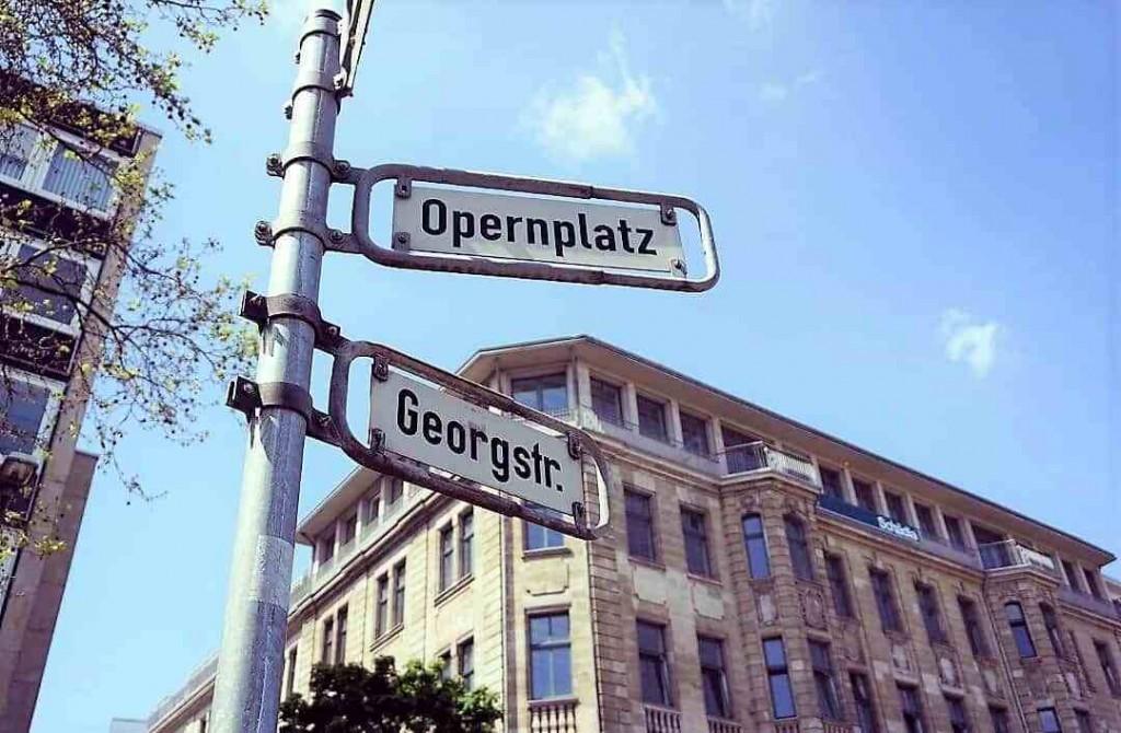 style hannover roter faden opernplatz 1024x670 - Auf dem ROTEN FADEN durch Hannover