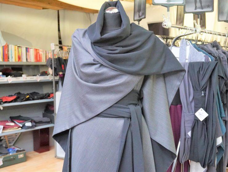 Style Hannover stellt den Wende-Poncho vor.