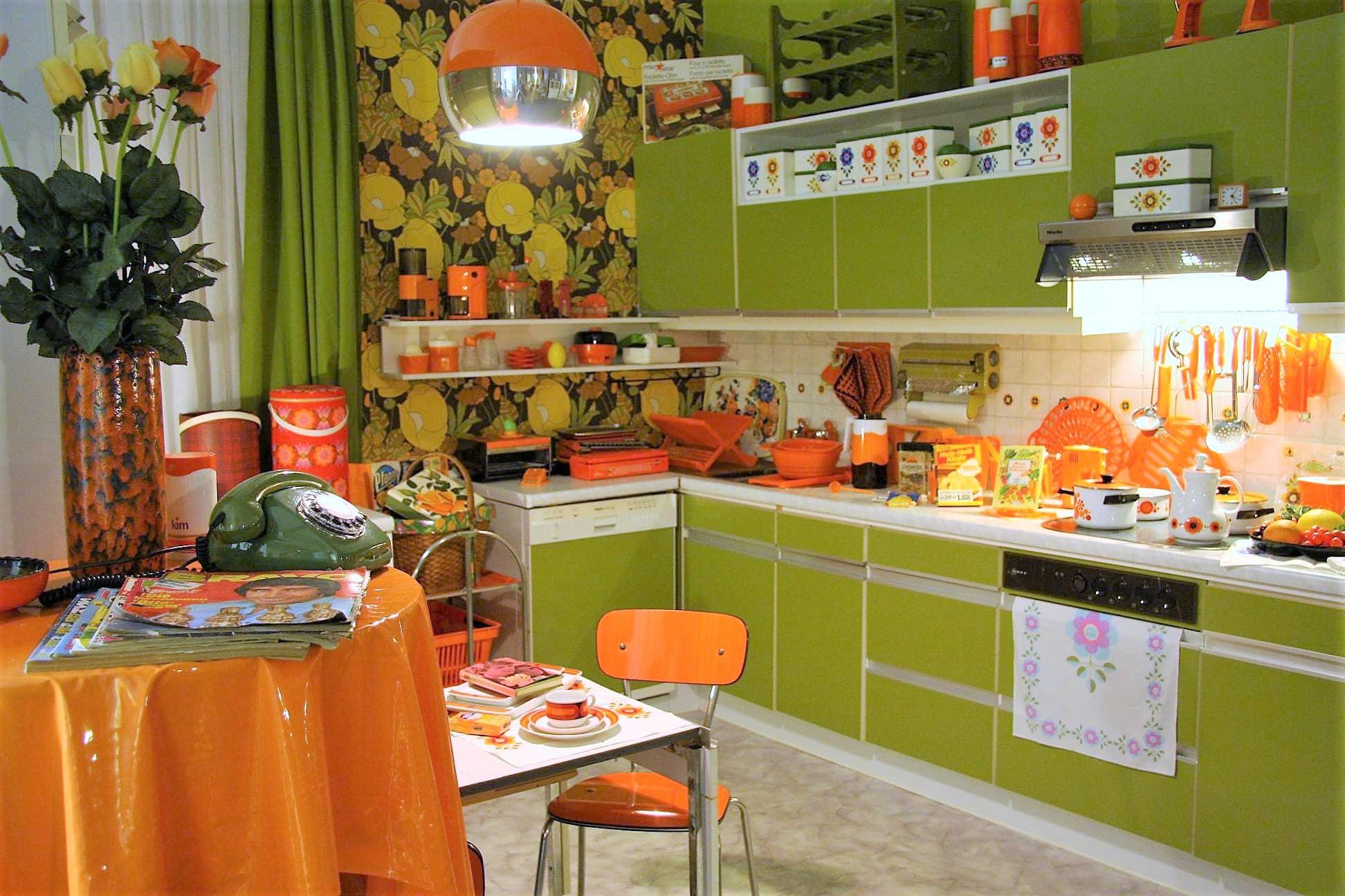 awesome k che 70er stil contemporary new home design. Black Bedroom Furniture Sets. Home Design Ideas