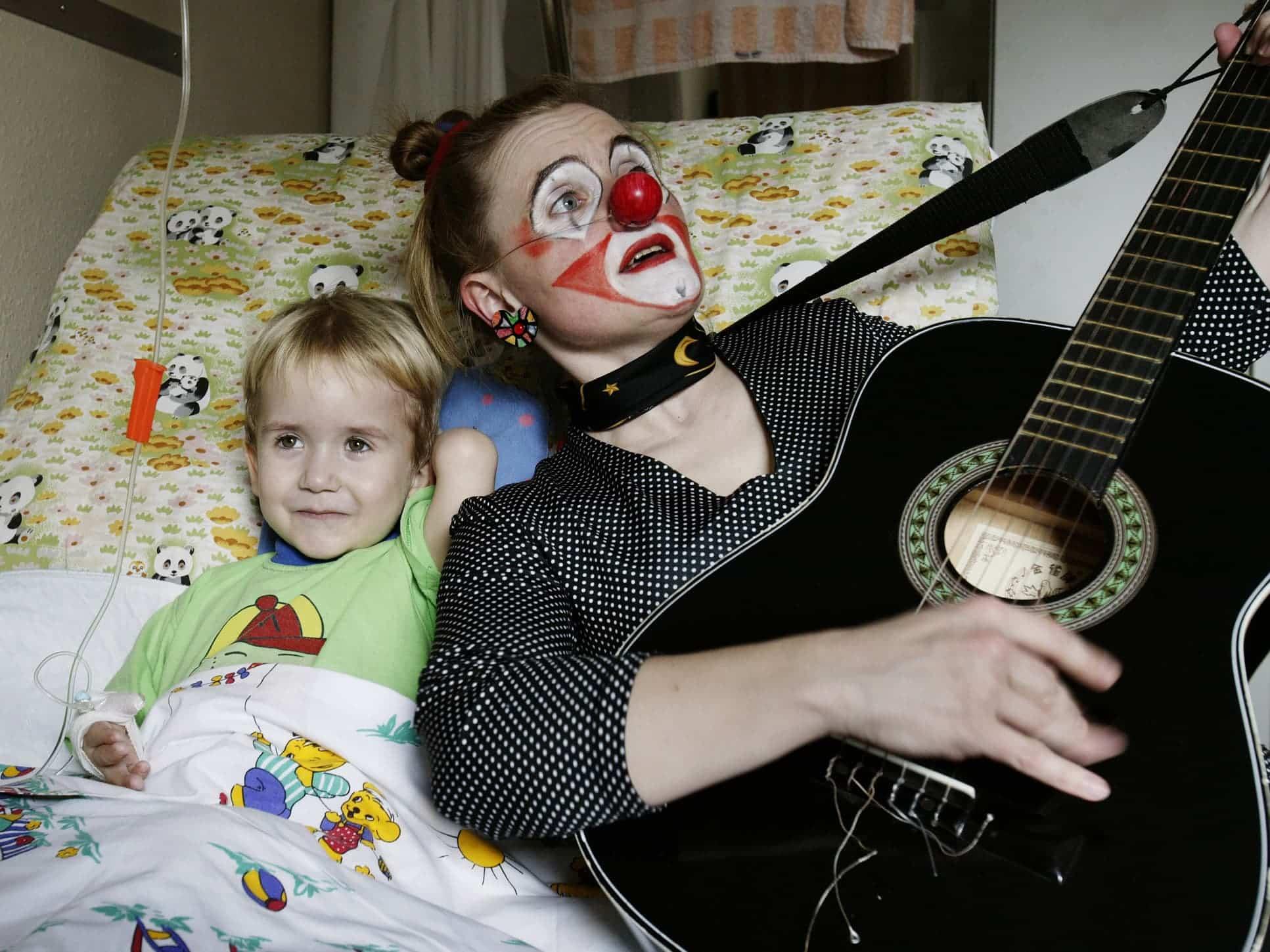 Style Hannover AktionKindertraum Clown im Bett - Aktion Kindertraum erfüllte schon mehr als 2.500 Wünsche