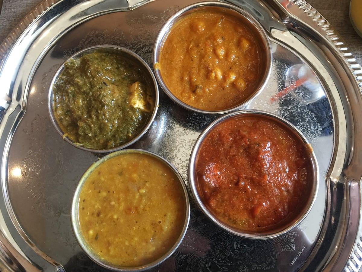 Style Hannover Mangals Kitchen Thali Gerichte - Thali Lunch in Mangal's Kitchen
