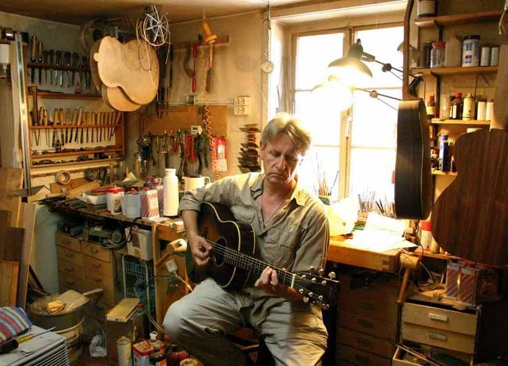 """Stle Hannover Portrait Heinz Rebellius @Martin Huch 740x533 - """"Heinz und die Gitarren"""" oder """"Wie Cliff Barnes nach Hannover kam"""""""
