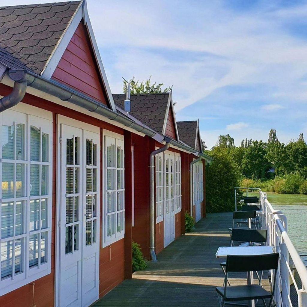 style hannover yachthafen lodges 1024x1024 - Mit 15 Boots-Pferdestärken auf dem Kanal