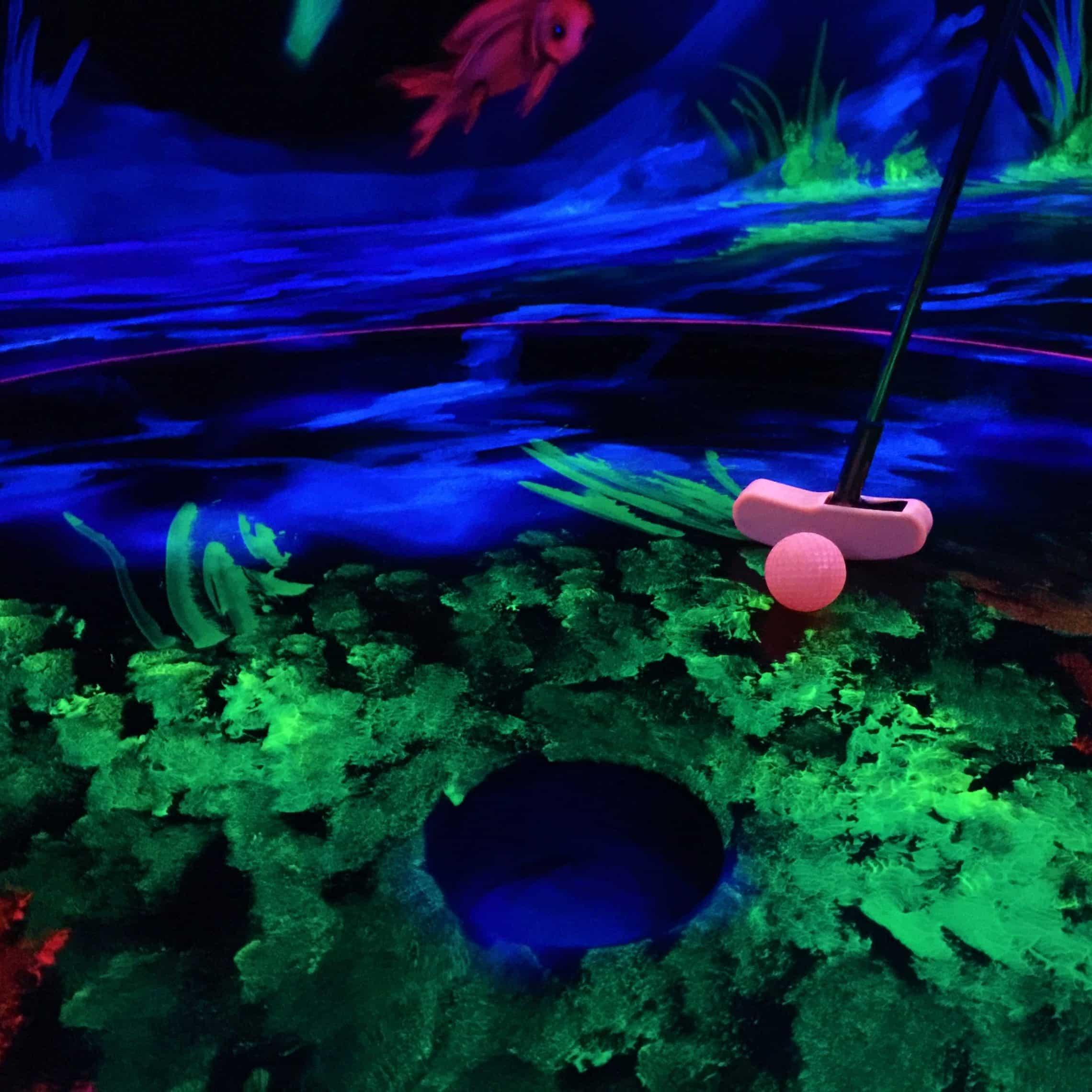 Style Hannover Neon Minigolf INSTA 2 - Die besten Freizeit-Aktivitäten für die Familie
