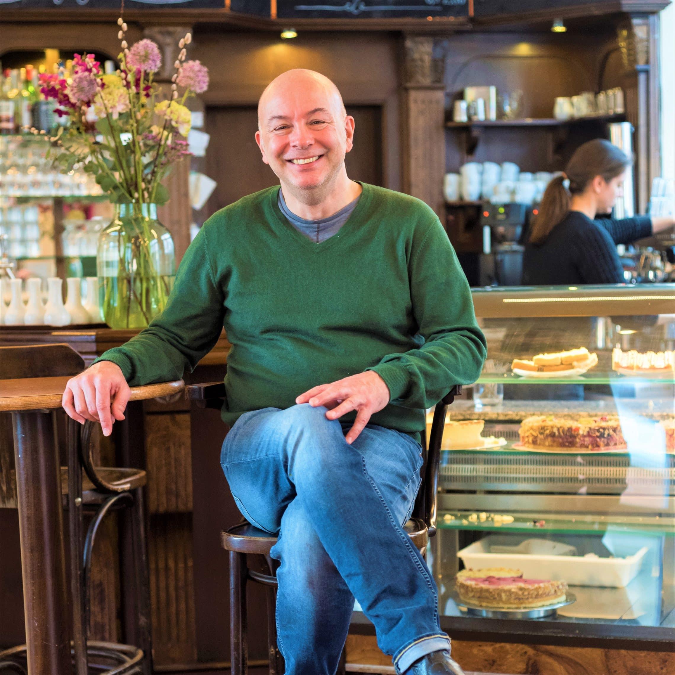 Style Hannover Café K Ralf Schnoor Foto Carolin Albers scaled - Café K – Kultstätte im Herzen von Linden