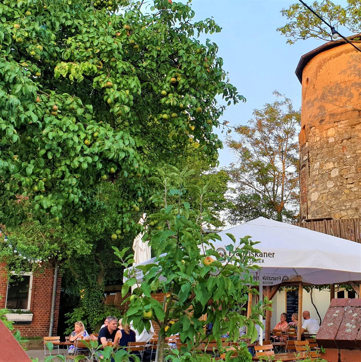 Style Hannover Biergarten Lindener Turm - Biergärten in Hannover