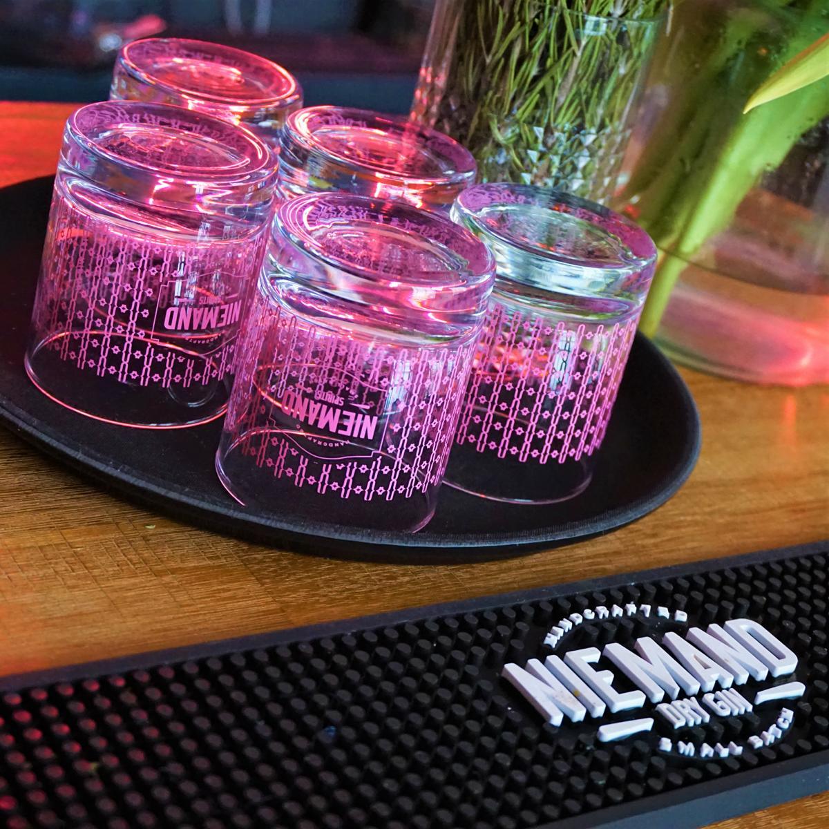 Style Hannover Niemand Gin Klassiker 1 - Torben Paradiek – einer der Macher von Niemand Dry Gin