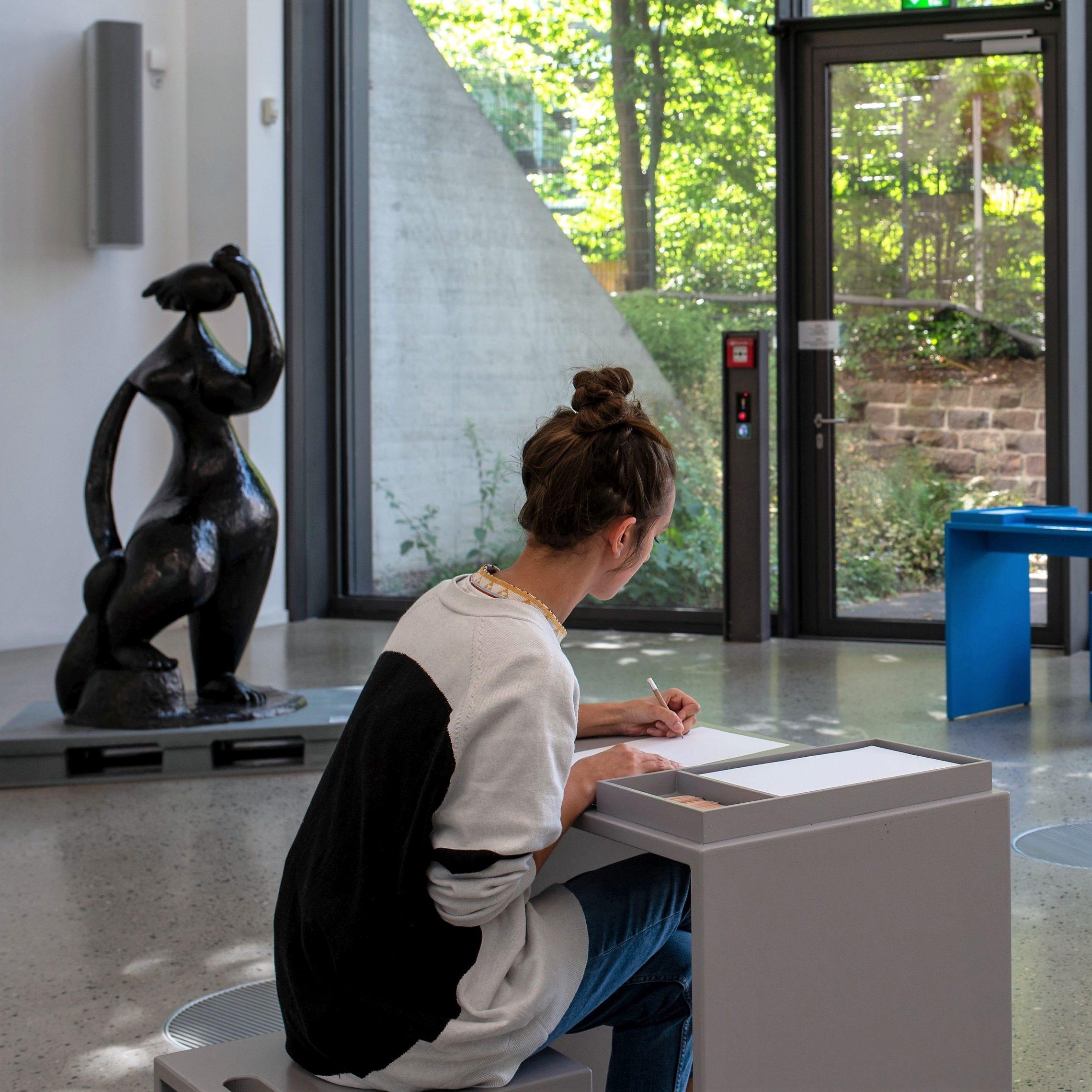style hannvover sprengelmuseum SKULPTUREN Sehen Zeichnen Entdecken scaled - Dein Kiez