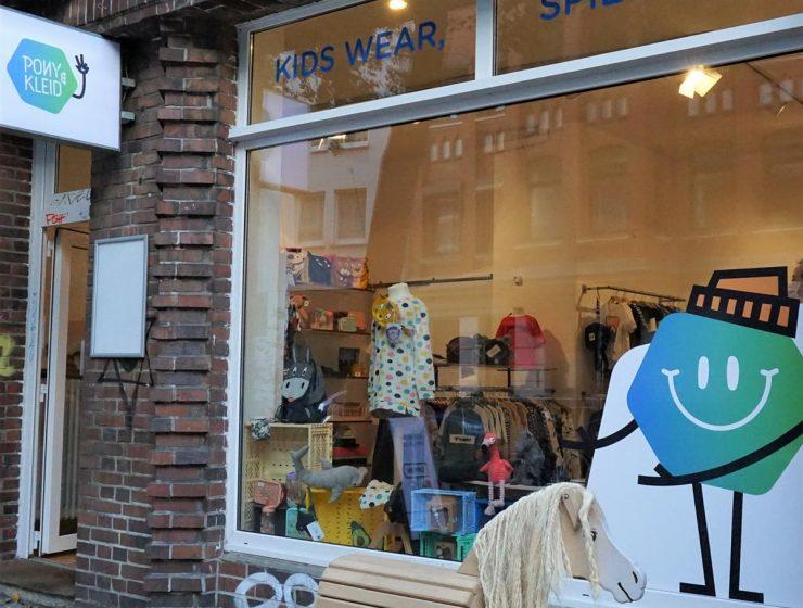 Style Hannover stellt Pony & Kleid vor.