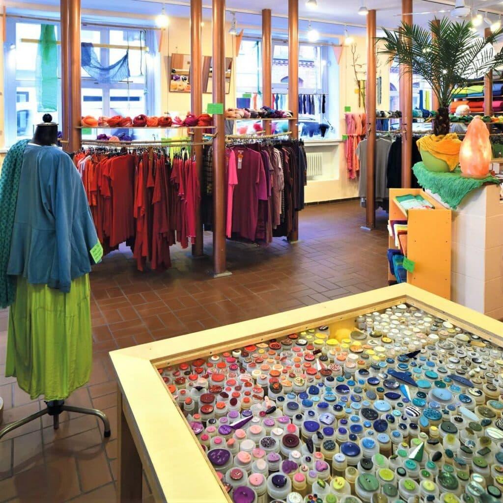 style hannover fehlfarben 4 1024x1024 - Fehlfarben - Seide & mehr