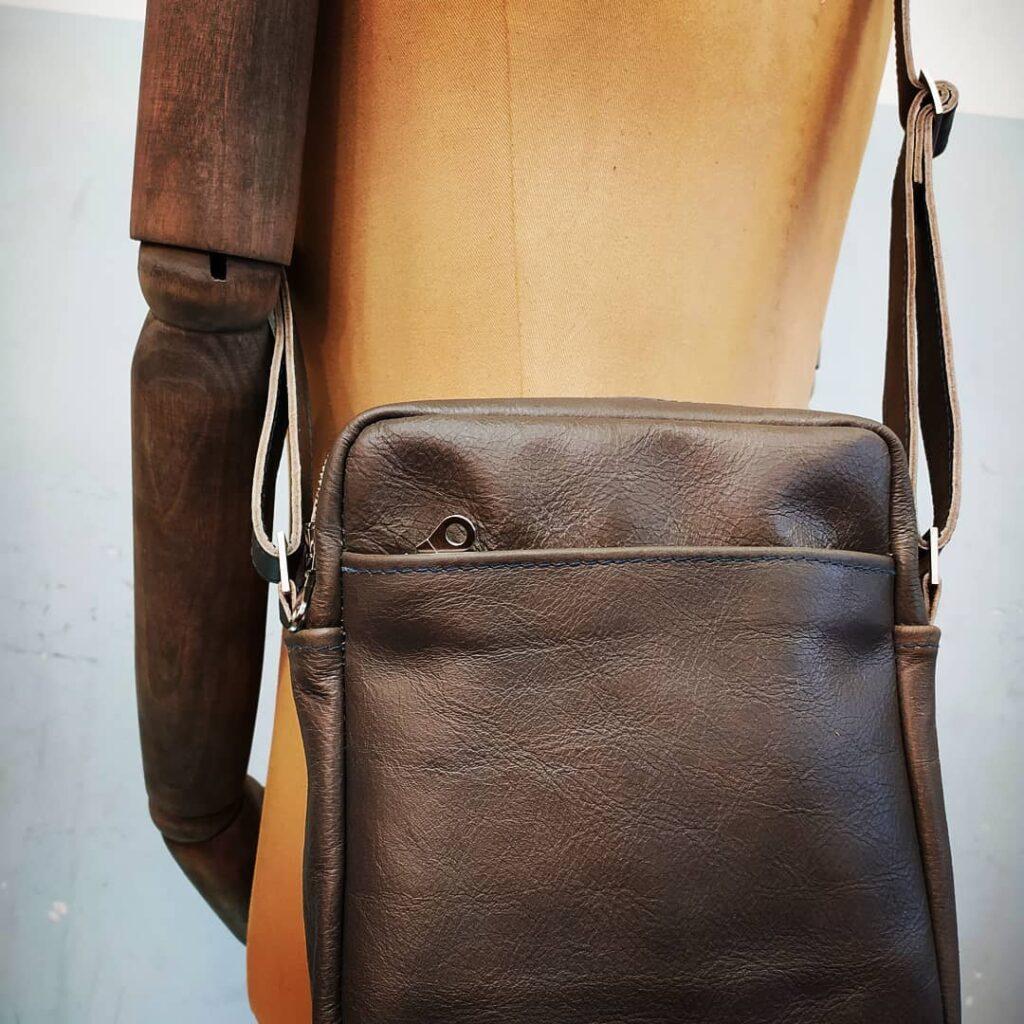 style hannover pw lederdesign B 1024x1024 - PW Lederdesign – Leder Handwerk & Wohnkonzepte